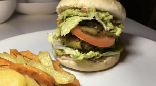 Falafel - Guacamole burger